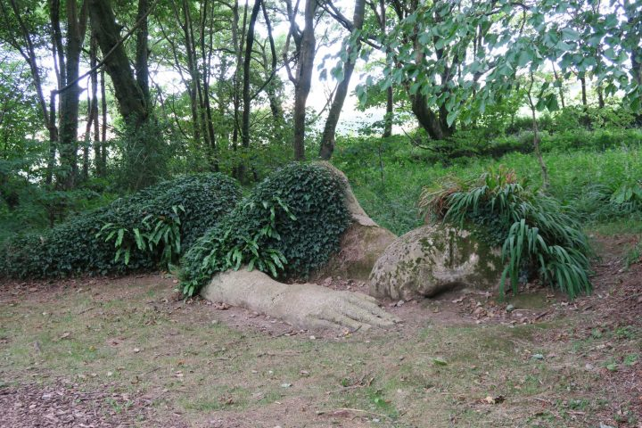 Skulptur Mud Maid in den Lost Gardens of Heligan