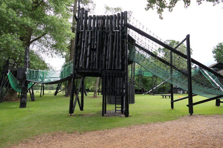 Klettergerüst und Spielplatz in Bowood House