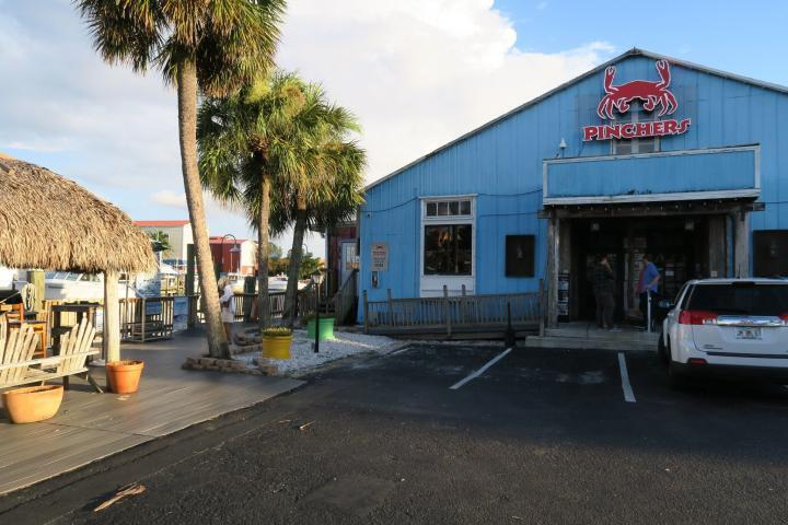 Pinchers Restaurant, Tin City, Naples, Essen mit Kindern in Naples, Florida