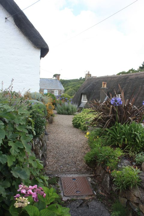 Hinterhof in Cadgwith, Cornwall