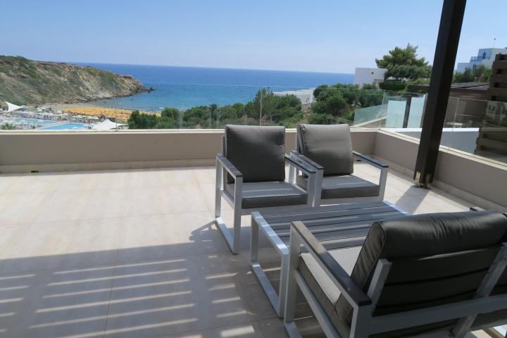 Hoteltipp Kreta: Terrasse im Hotel Sentido Mikri Poli Atlantica, Kreta mit Kindern