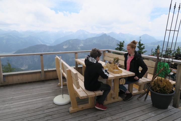 Terrasse der Ostlerhütte Pfronten