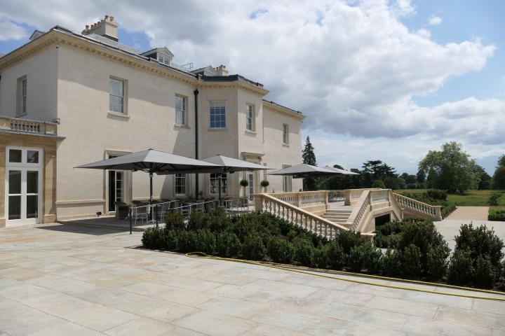 The Langley Terrasse