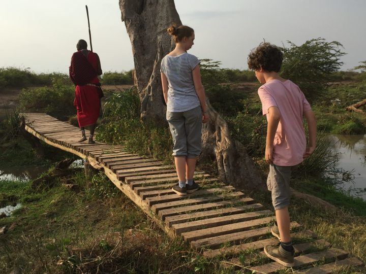 Walking Safari im Ziwani Camp, Kenia mit Kindern